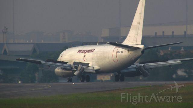 Boeing 737-700 (9M-PML)