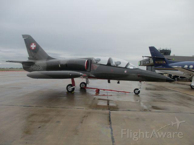 Experimental >200kts (N139US) - OCT 2014 @ Joplin Regional Airport.