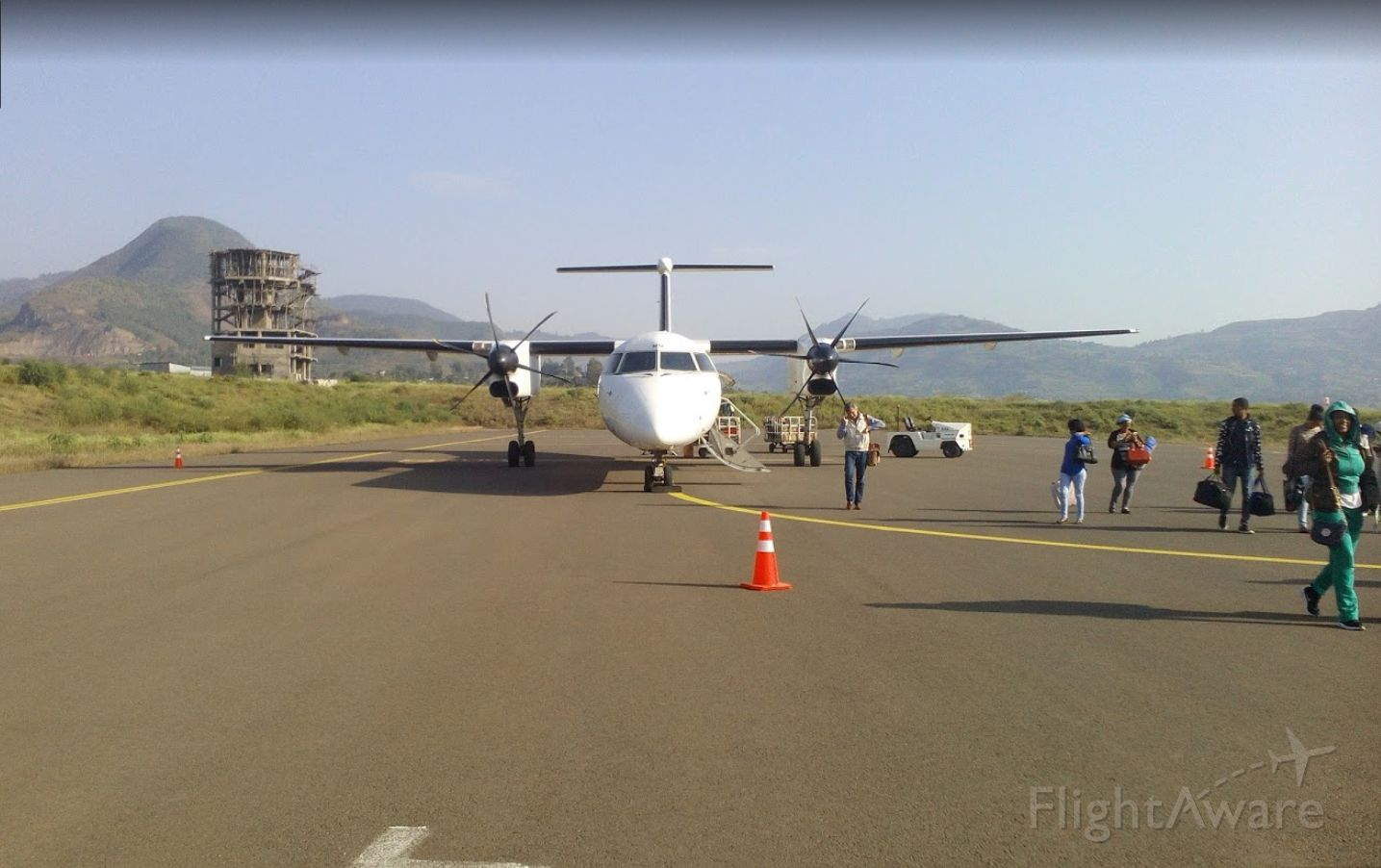 de Havilland Dash 8-400 (ET-ANV) - Disembarking in Dessie after a short hop from Addis Ababa