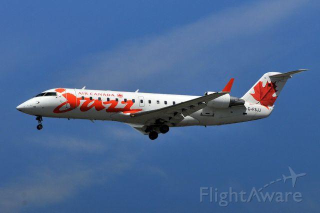 Canadair Regional Jet CRJ-100 (C-FSJJ)