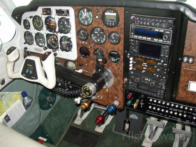 Beechcraft 35 Bonanza (N631T) - Panel