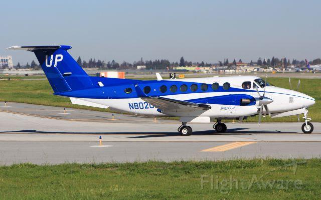 Beechcraft Super King Air 300 (N802UP)