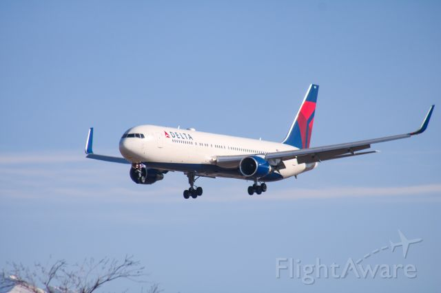 BOEING 767-300 — - Coming in from KATL.