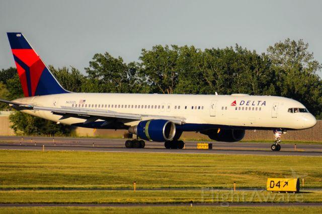 Boeing 757-200 (N650DL) - Year: 1989br /Make: Boeingbr /Model: 757-200 VIPbr /Opby: Delta Air Linesbr /br /Route: CYUL --> KBUF (06-17-21)