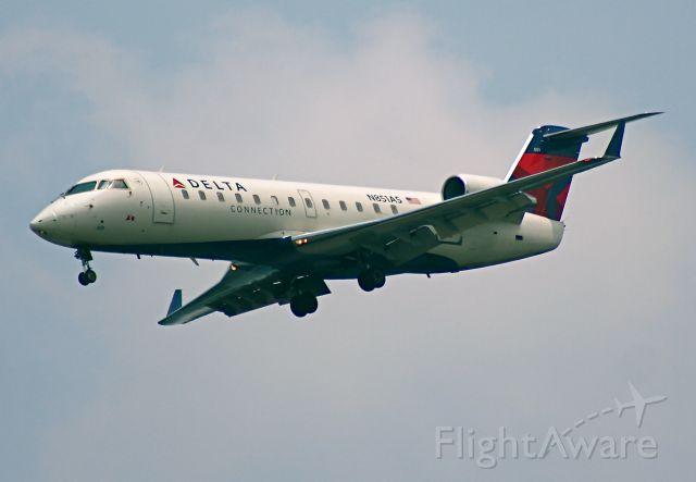 Canadair Regional Jet CRJ-200 (N851AS)