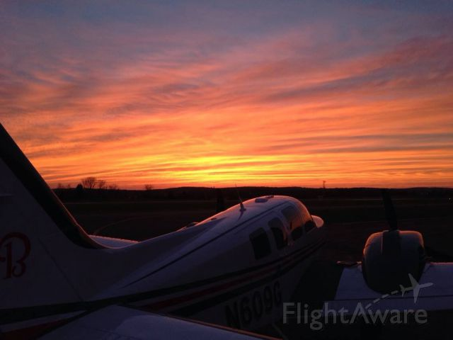 Beechcraft Baron (58) (N609G) - End of a great day of flying!