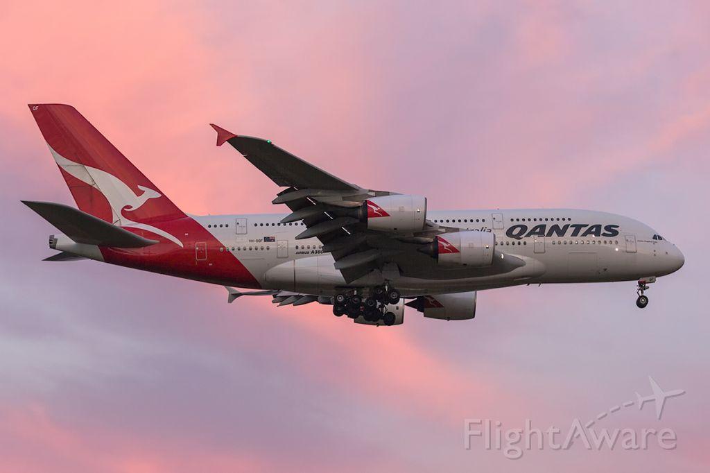 Airbus A380-800 (VH-OQF) - QF94/QFA94 fr. LAX Los Angeles R34, MEL/YMML 23/04/2017