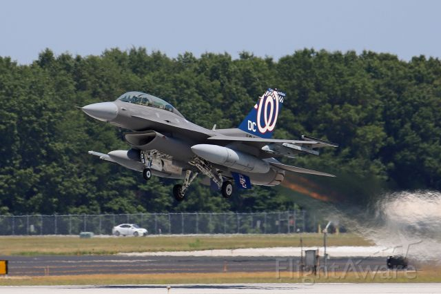 """Lockheed F-16 Fighting Falcon (86-0044) - A surprise catch of this freshly painted USAF F-16D from the 121st Fighter Squadron, 113th Fighter Wing, District of Columbia Air National Guard, """"Capital Guardians"""", departing TOL on 6 Jul 2020. 86-0044 just had its tail flash painted in the MLB 2019 World Series Champion, Washington Nationals logo. If you zoom in you'll see """"DC"""" on the ventral fin."""
