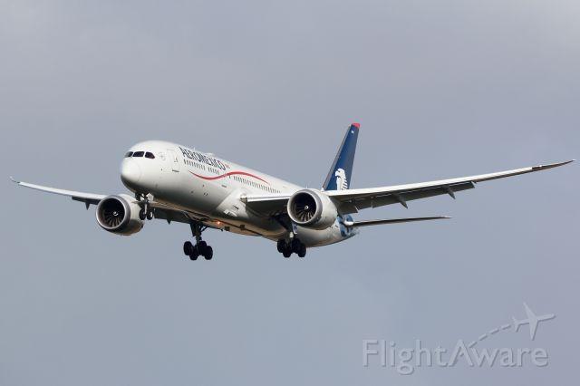 Boeing 787-8 (XA-ADC)