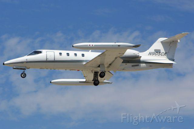 Learjet 35 (N905CK)