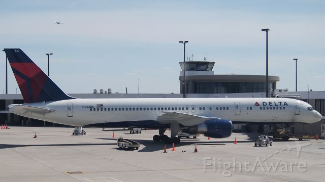 """Boeing 757-200 (N652DL) - VIP configuration (the Delta designation is 75C) used primarily for NBA charters.  This was for the San Antonio Spurs visiting Memphis in the first round of the NBA playoffs.  Seatmap: <a rel=""""nofollow"""" href=""""http://www.delta.com/content/www/en_US/traveling-with-us/airports-and-aircraft/Aircraft/boeing-757-200-75c.html"""">http://www.delta.com/content/www/en_US/traveling-with-us/airports-and-aircraft/Aircraft/boeing-757-200-75c.html</a>"""