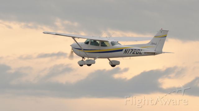 Cessna Skyhawk (N172DL)
