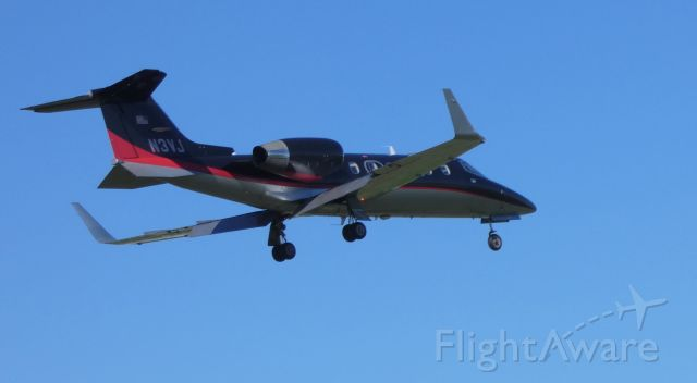 Learjet 31 (N3VJ) - On final is this 1991 Learjet 31A in the Spring of 2019. Currently configured for Medevac duty.