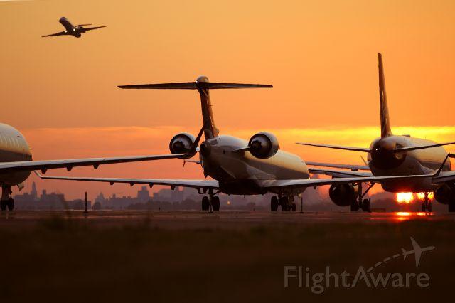 Canadair Regional Jet CRJ-200 (NXXXXX) - Evening Rush...