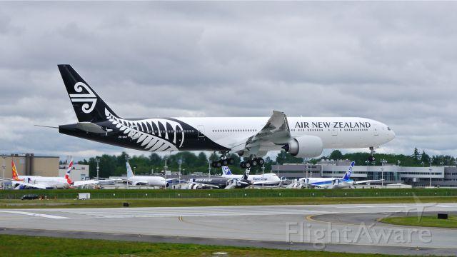 BOEING 777-300 (ZK-OKR) - BOE56 from KARA on final to Rwy 16R on 5/23/14. (LN:1206 / cn 44546).