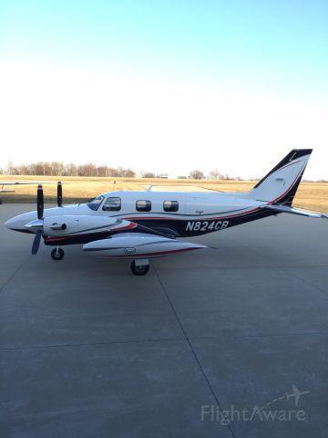 Piper Cheyenne (N824CB)