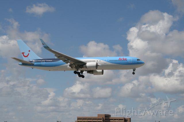 Boeing 737-800 (PH-OYI)