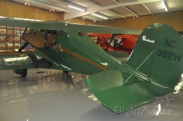 Beechcraft Staggerwing (N962W)