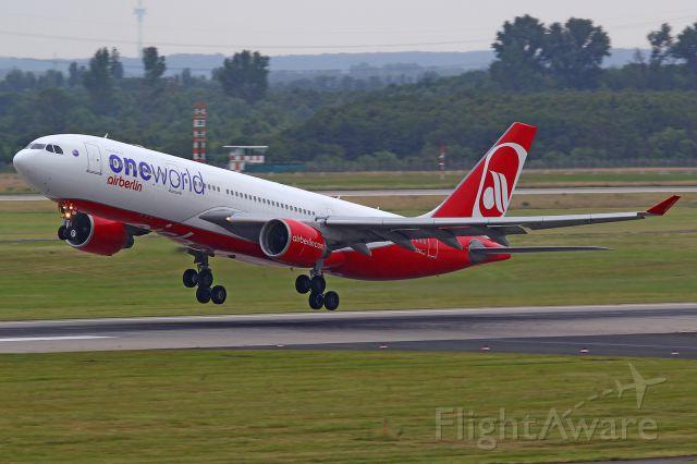 Airbus A330-200 (D-ABXA)