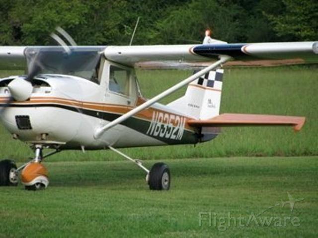 Cessna Commuter (N8352M)