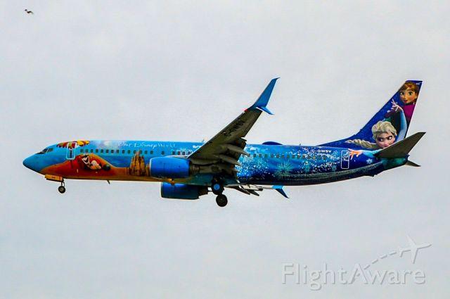 Boeing 737-800 (C-GWSV)