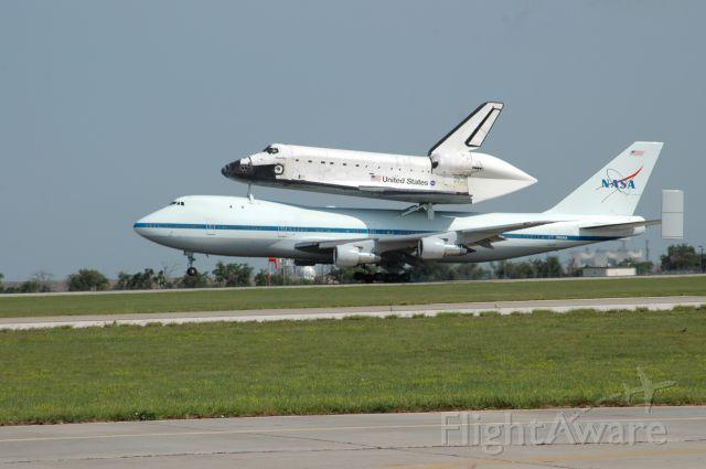 N905NA — - Space shuttle Atlantis transport landing at KAMA for refueling.