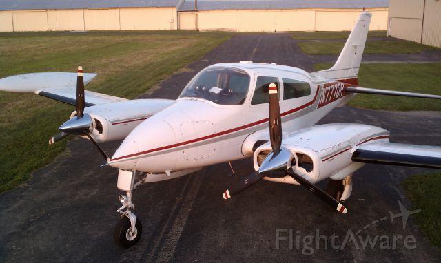 Cessna 310 (N777DR)