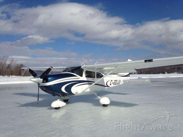 Cessna Skylane (C-GDJU)