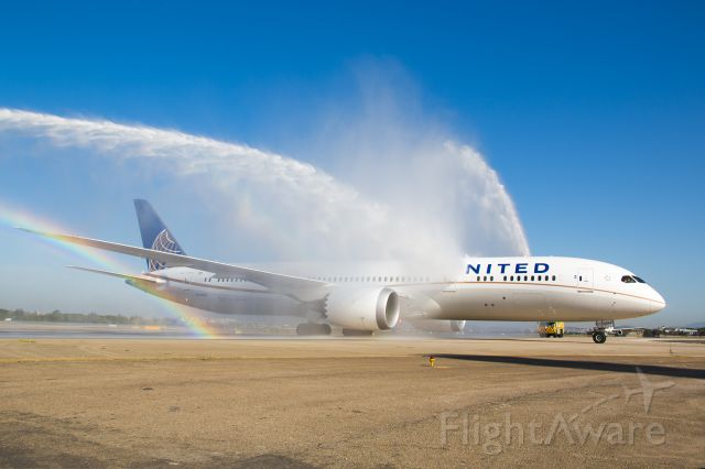 Boeing 787-9 Dreamliner (N13954) - Aeroporto Galeão Batismo do primeiro b787-9 da UNITED
