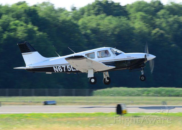 Piper Arrow 4 (N675LB) - Departing Runway 08 at Butler County.