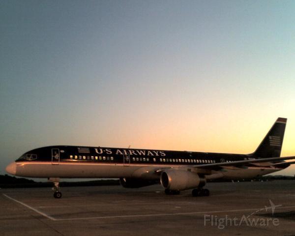 — — - US Air 757