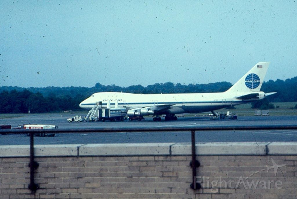 BOEING 747-100 — - Pan Am 747 makes an unusal visit to KBWI.  I dont know if this was a charter or diversion.  Pic circa 1972-74.