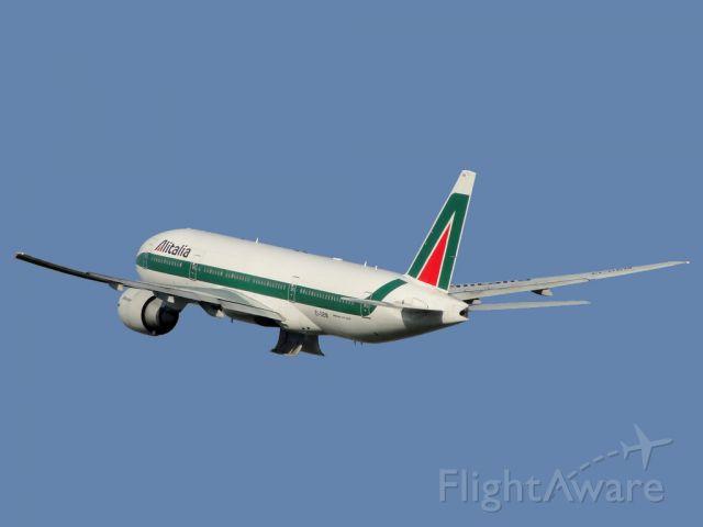 Boeing 777-200 (EI-DBM)
