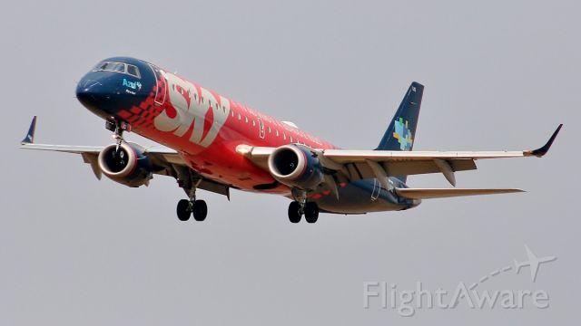 Embraer ERJ-190 (PR-AUQ)