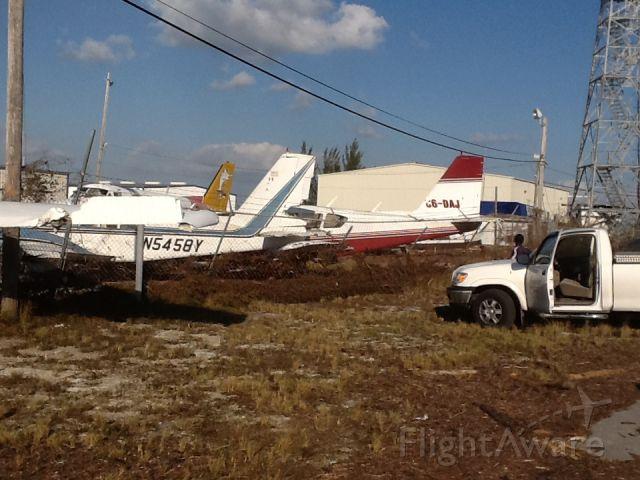 Piper Apache (N5458Y) - Freeport bahamas