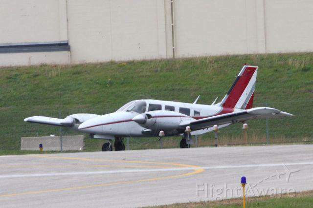 Piper Seneca (N6597F) - Runup/preflight checklist