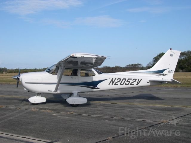 Cessna Skyhawk (N2052V)