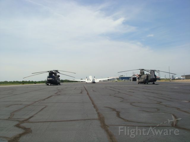 — — - Chinooks with the DC-3 in the back