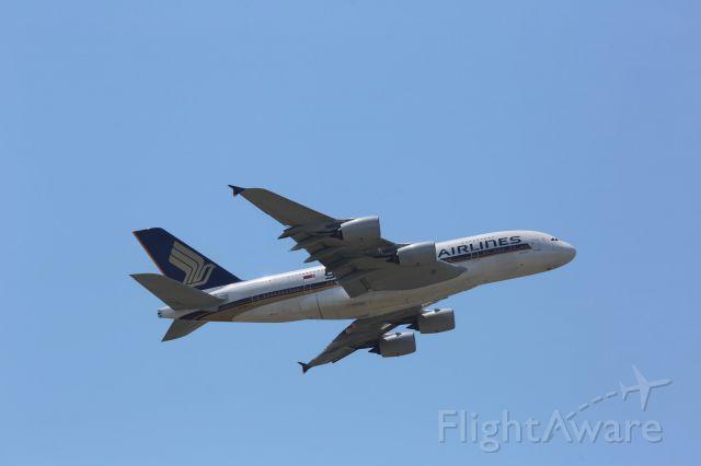 Airbus A380-800 (9V-SKS)
