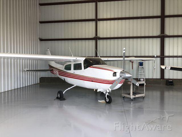Cessna Centurion (N35677)