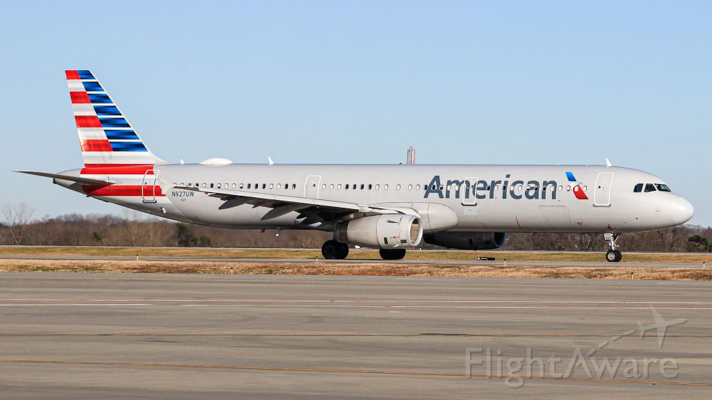 Airbus A321 (N927UW)