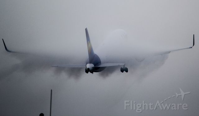 BOEING 767-300 (D-ABUF)