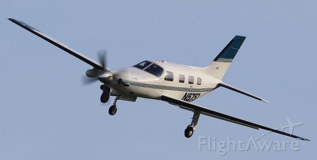Raytheon Hawker 800 (N5757)
