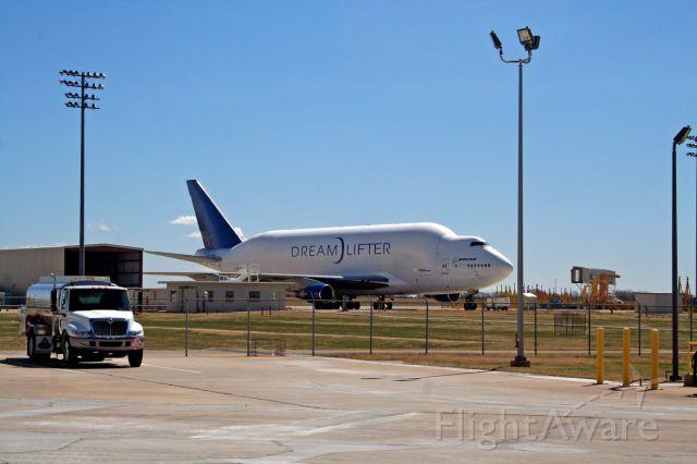 Boeing 747-200 (EGN123AB)