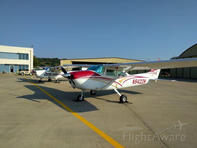 Cessna Skylane (N9422H)