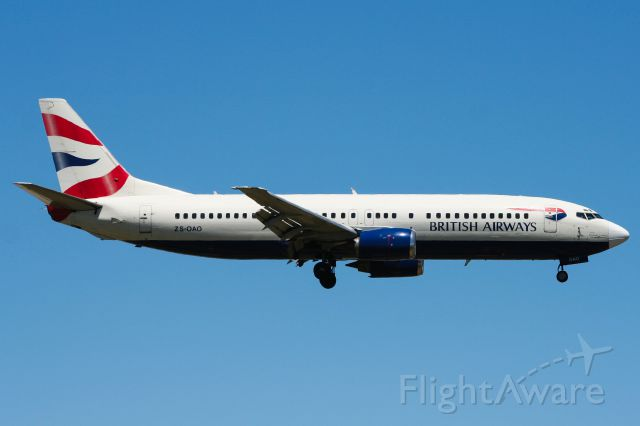 BOEING 737-400 (ZS-OAO) - Short Final to RWY 26 at PLZ