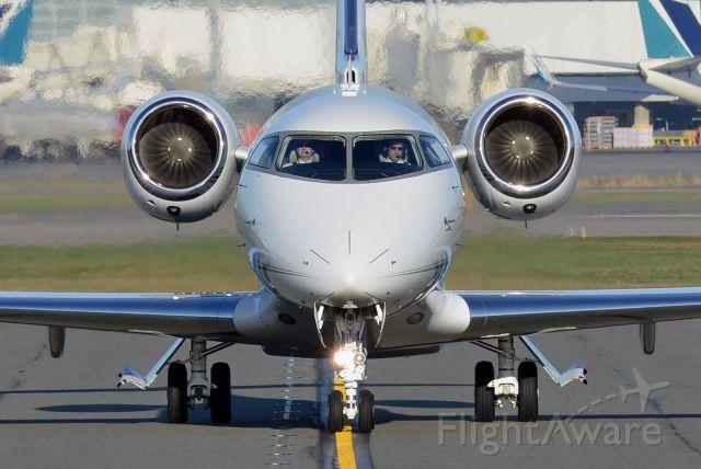 Bombardier Challenger 300 (N7100C)