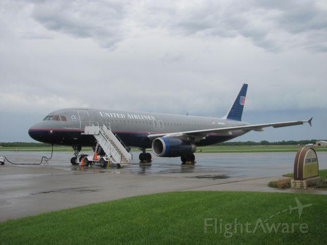 Airbus A320 (N434UA)
