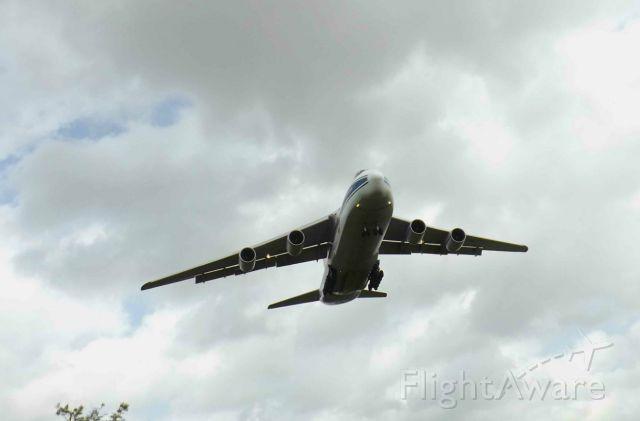 Antonov An-124 Ruslan (RA-82074) - WOW! un visitante muy extraño en Mérida yucatan, dentro de el 5 MI-17 de la Fuerza Aerea Mexicana para llevarlos a mantenimiento a Rusia.