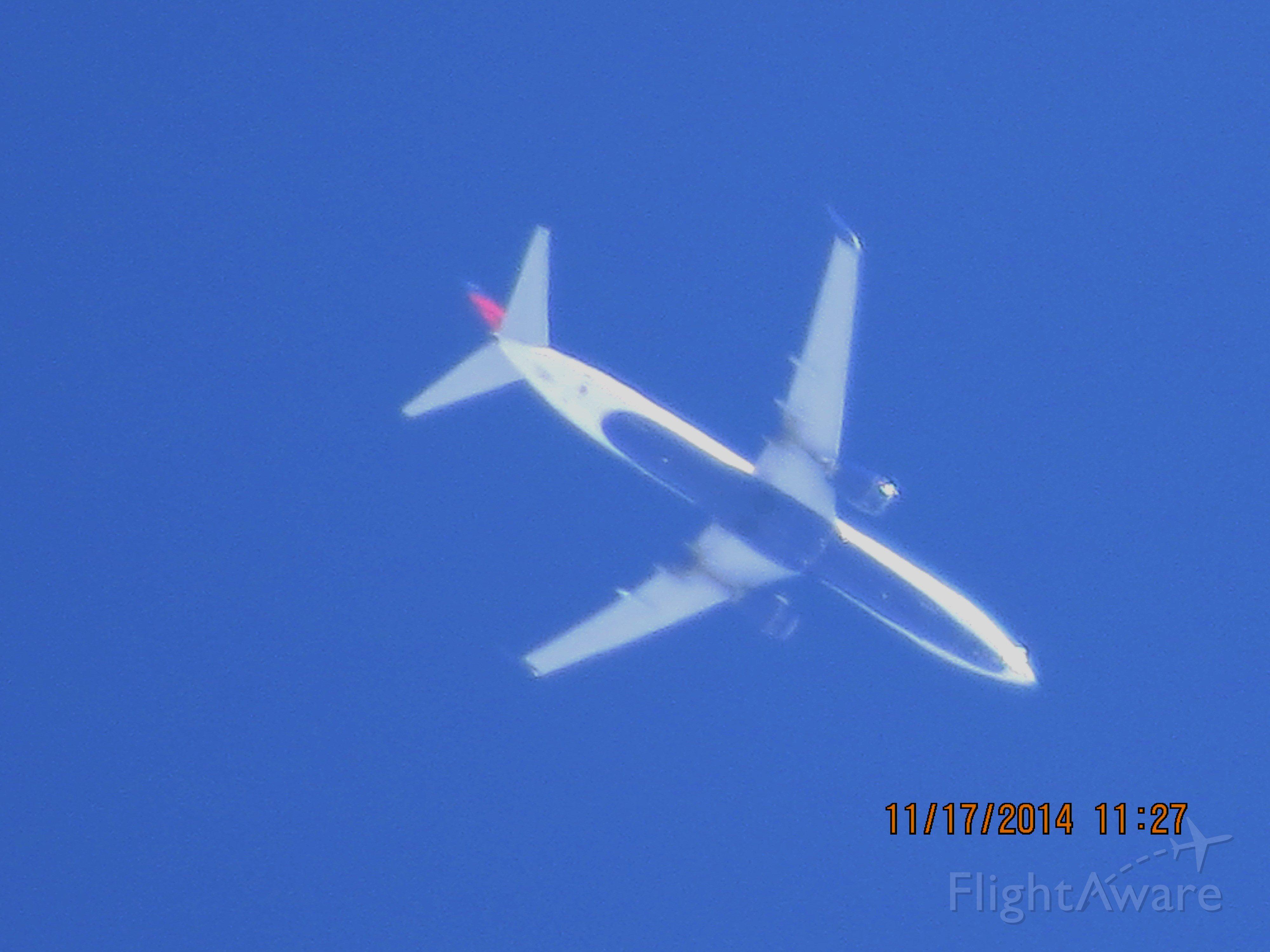 Boeing 737-900 (N815DN) - Delta flight 1598 from SEA to ATL over Baxter Springs Kansas (78KS) at 33,000 feet.